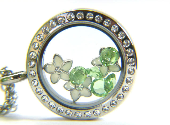 South Hill & Stampin Up Sunday Green White Florals Locket Close Up