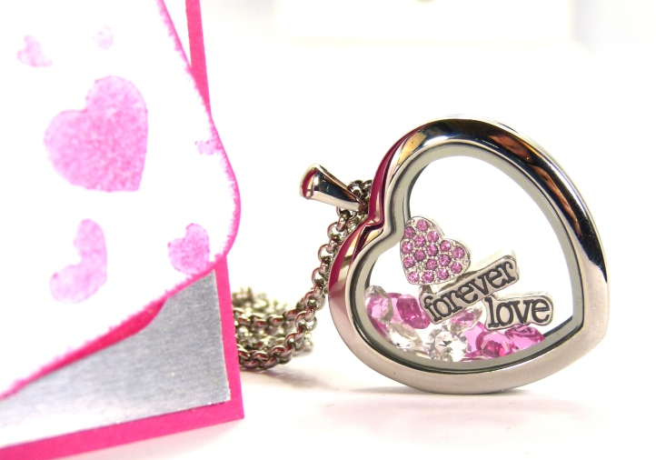 South Hill Designs & Stampin' Up! Sunday Hot Pink Heart Tutorial Side Profile